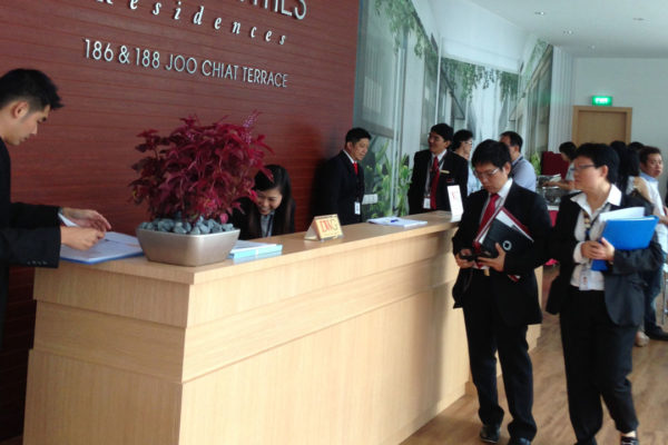 Briefing property agents