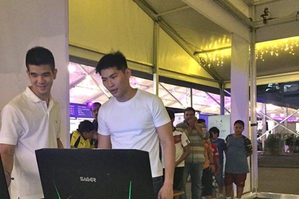 VR booth at Bayfront